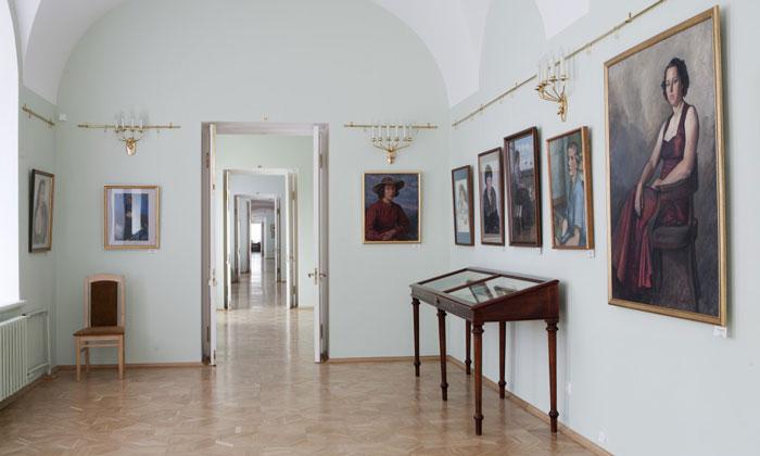 Картины музея Бенуа в Петергофе