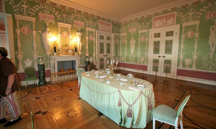 Зелёная столовая Екатерининского дворца