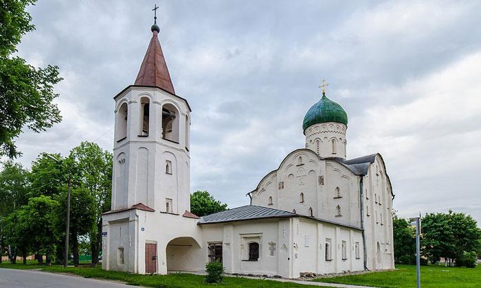 Церковь Святого Фёдора Стратилата на Ручье Великого Новгорода