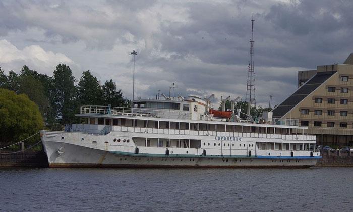 Теплоход-отель «Короленко» в Выборге