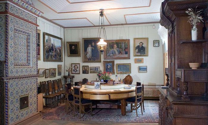 Внутренний интерьер музея Репина