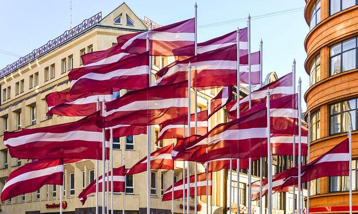 Флаг Латвии (Рига)