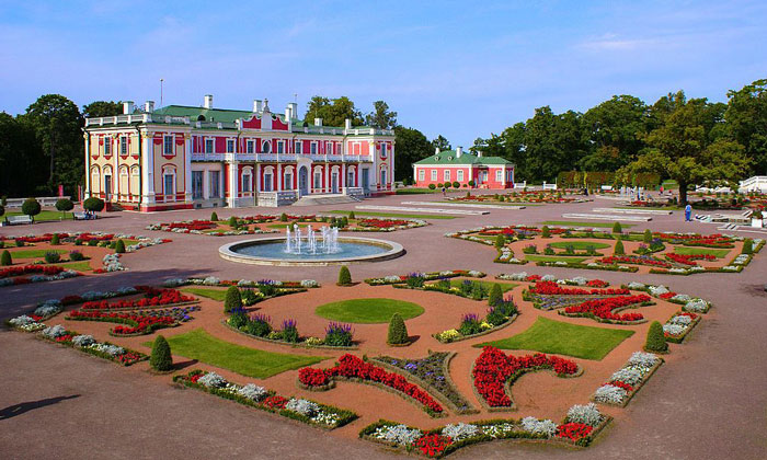 Дворцово-парковый ансамбль Кадриорг в Таллине