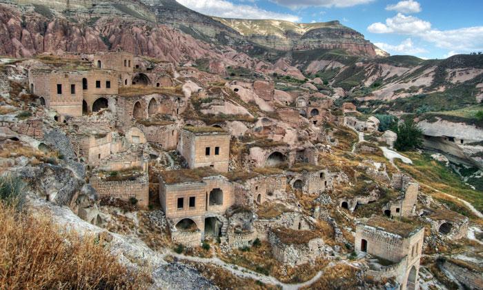 Деревня-призрак Чавушин в Каппадокии