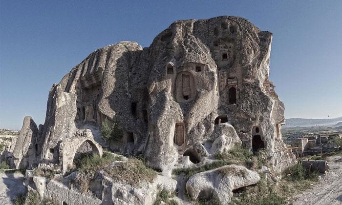 Холм Учхисара в Каппадокии